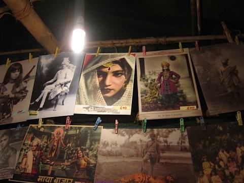Foto van de avondmarkt in Anjuna.