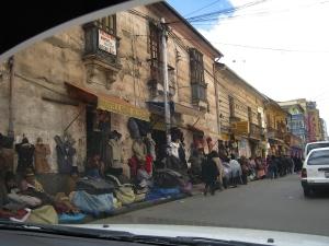Foto van een straat in de Boliviaanse hoofdstad La Paz.