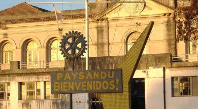1200px-Paysandú_-_Puerto_2