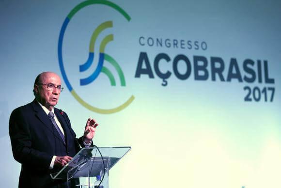 Prazo de adesão ao novo Refis deve ficar para fim de outubro, diz Meirelles