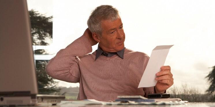Empresa excluída do Simples tem prazo para regularizar situação Ou paga integralmente os tributos em atraso ou pede o parcelamento convencional em até cinco anos com multa e juros. O prazo vence na quarta (31/01)