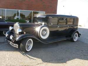1930 PLYMOUTH LIMO