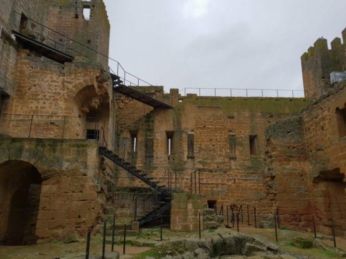 castillo sádaba interior