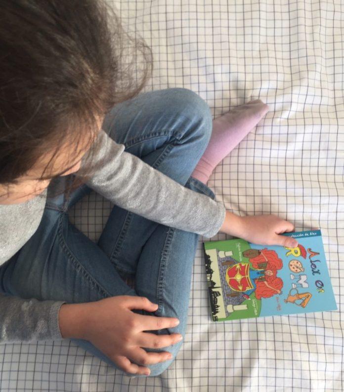Leyendo Alex en Roma 2. Libros de viajes para niños