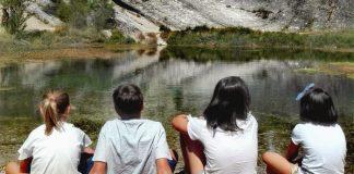 Fuentona de Murial, con niños