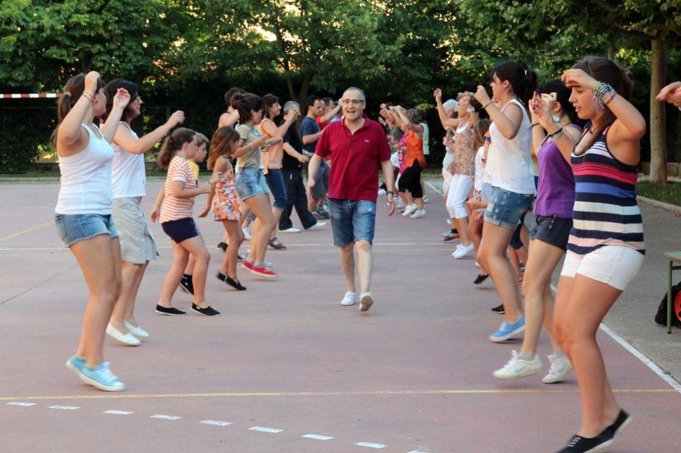 Taller de danzas populares