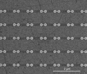 Linked pairs of nanodisks as seen with a SEM. (Credit: Fangfang Wen/Rice University)