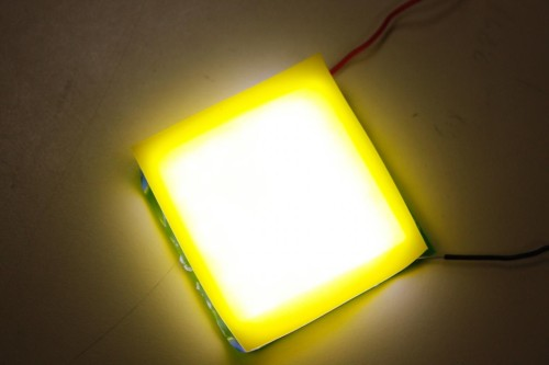 The large area warm white light source with bending capability. (Source: Chin-Wei Sher, Chien-chung Lin, Hao-Chung Kuo/National Chiao Tung University)
