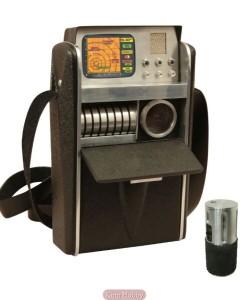 Replica of Star Trek's tricorder (Source: Kirin Hobby)