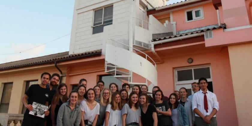 Estudiantes de E.E.U.U visitan las dependencias de nuestro Colegio