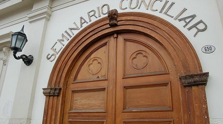 Colegio Seminario Conciliar de La Serena inicia proceso consultivo para modificar el uniforme
