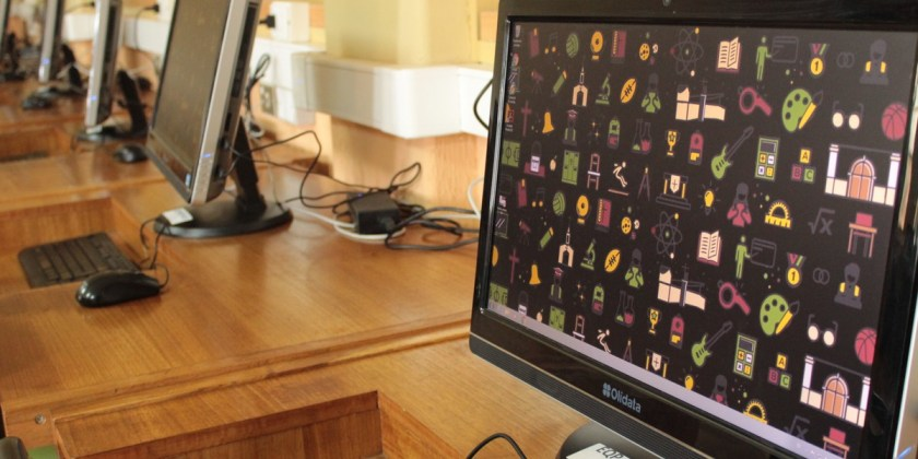 Colegio renueva equipos computacionales de las salas de enlaces