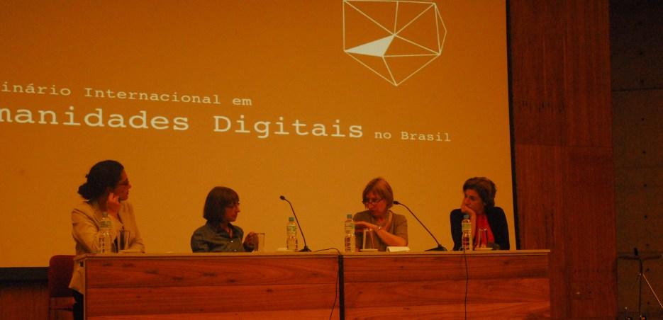 25/10. Maria Clara Paixão de Sousa, Charlotte Galves, Jacqueline Léon, Rita Marquilhas, Mesa dos Linguistas. Foto: Jorge Viana.