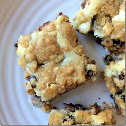 Chocolate Chip Cookie Cheesecake Bars _4