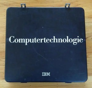 """The box is labeled in German: """"Computertechnologie""""."""