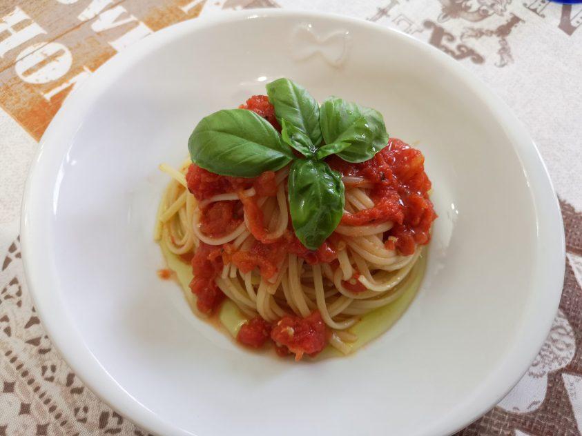 Spaghetti con il pomodoro schiacciato