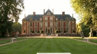 chateau-de-wideville-front-wide-511x288