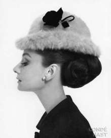 audrey-hepburn-look-con-cappellino