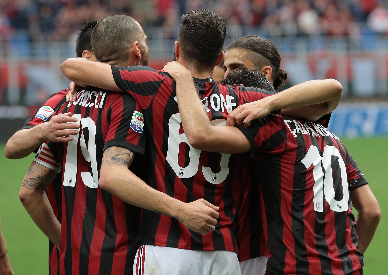 Milan 5-1 Fiorentina: Five-star Rossoneri secure Europa ...