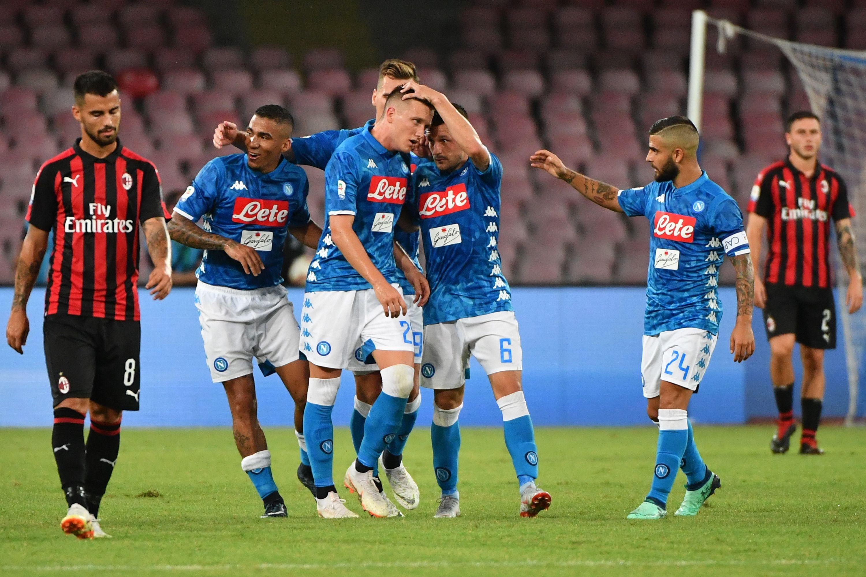 El Nápoles supera al Milán (3-2) tras remontar dos goles rossoneros