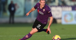 FLORENCE, ITALY - DECEMBER 26: Jordan Veretout of ACF Fiorentina in action during the Serie A match between ACF Fiorentina and Parma FC at Stadio Artemio Franchi on December 26, 2018 in Florence, Italy. (Photo by Gabriele Maltinti/Getty Images)