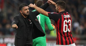 MILAN, ITALY - AUGUST 31: AC Milan coach Gennaro Gattuso (L) celebrates victory with Patrick Cutrone (R) at the end of the serie A match between AC Milan and AS Roma at Stadio Giuseppe Meazza on August 31, 2018 in Milan, Italy. (Photo by Marco Luzzani/Getty Images)