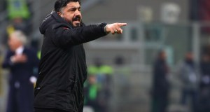 MILAN, ITALY - JANUARY 26: AC Milan coach Gennaro Gattuso issues instructions to his players during the Serie A match between AC Milan and SSC Napoli at Stadio Giuseppe Meazza on January 26, 2019 in Milan, Italy. (Photo by Marco Luzzani/Getty Images)