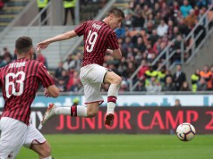MILAN, ITALY - MAY 19: Krzysztof Piatek of AC Milan scores the opening goal during the Serie A match between AC Milan and Frosinone Calcio at Stadio Giuseppe Meazza on May 19, 2019 in Milan, Italy. (Photo by Emilio Andreoli/Getty Images)