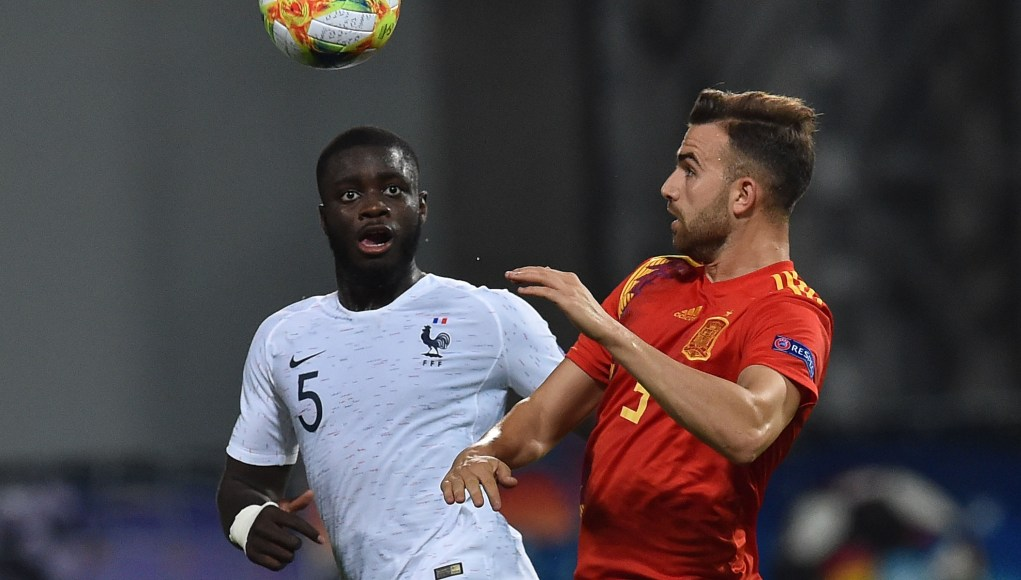 REGGIO NELL'EMILIA, ITALY - JUNE 27: Dayot Upamecano of France and Borja Mayoral of Spain in action during the 2019 UEFA U-21 Semi-Final match between Spain and France at Mapei Stadium - Citta' del Tricolore on June 27, 2019 in Reggio nell'Emilia, Italy. (Photo by Giuseppe Bellini/Getty Images)