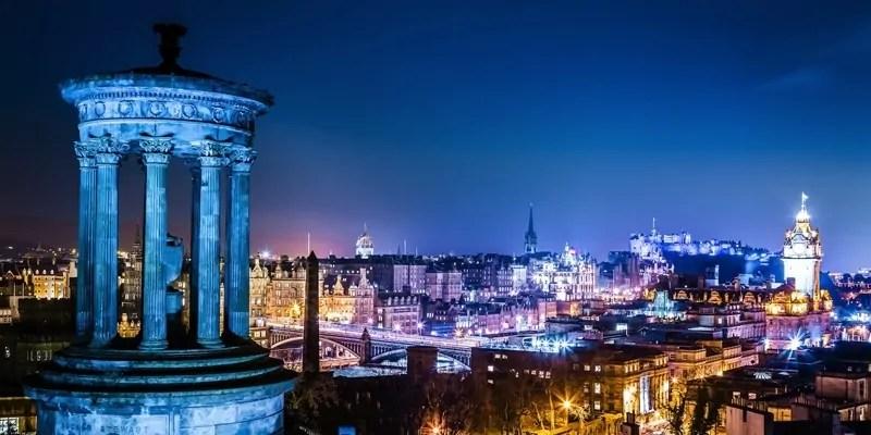 Edimburgo di notte