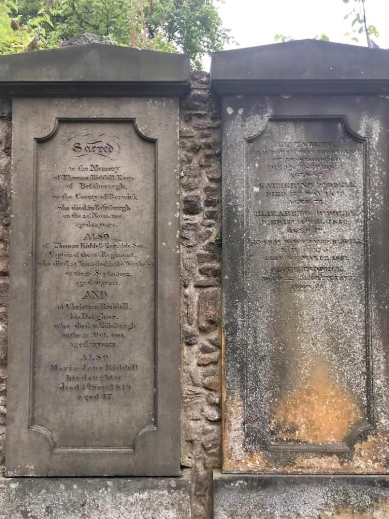 La tomba di Riddell al Greyfrias Kirkyard di Lord Voldemort in Harry Potter