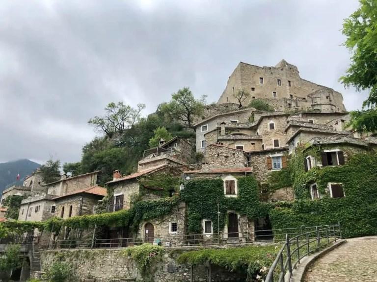 Castelvecchio di Rocca Barbena centro storico