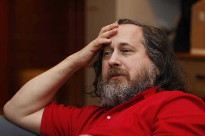 Richard Stallman tem pensamentos estranhos sobre pedofilia