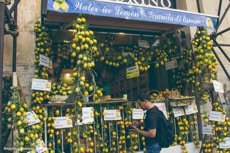 Postcard from Naples & the best pizza places - Streets of Napoli, Italy 6