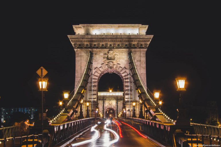 weekend getaway guide to Budapest - Chain Bridge