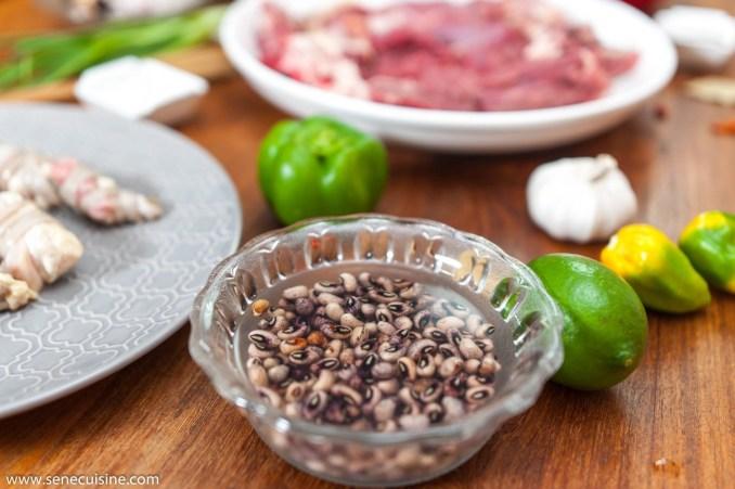 La recette détaillée du plat sénégalais dakhine (aussi appelé « dakhine mbeup »)
