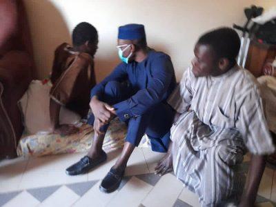 Photos - Ousmane SONKO au chevet des blessés des récentes manifestations