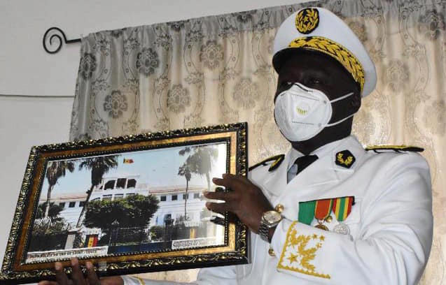 Saint-Louis : Antoine Diome installe le nouveau Gouverneur Alioune Badara Samb