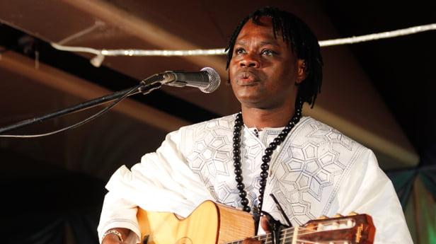 Baaba Maal interdit de concert à Cas-cas, on évoque des raisons politique…