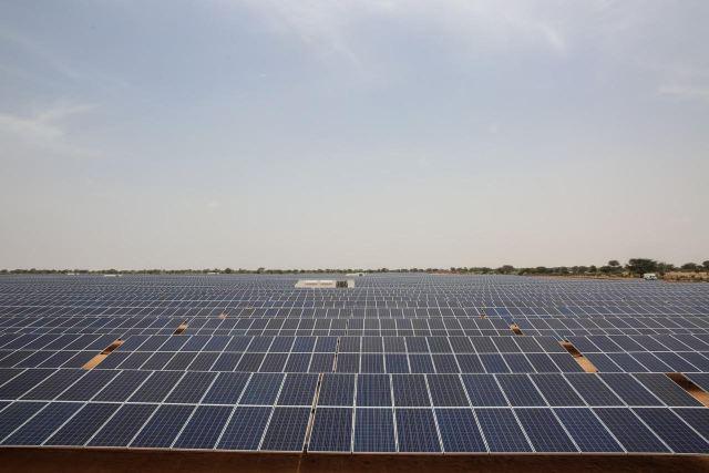 inauguration de la centrale solaire photovolta que de sinthiou m kh en images. Black Bedroom Furniture Sets. Home Design Ideas
