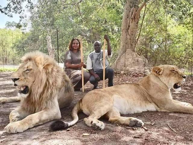 69329020 10159118058612228 5327608842777788416 n - Aly Ngouille et sa femme profitent pleinement des vacances... (photos)