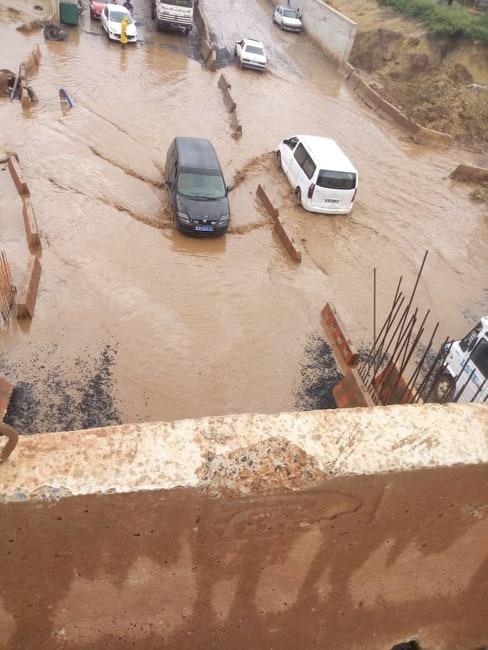 72469439 2417999118254111 4797346322078236672 n - Rufisque : Le tunnel du TER encore sous les eaux