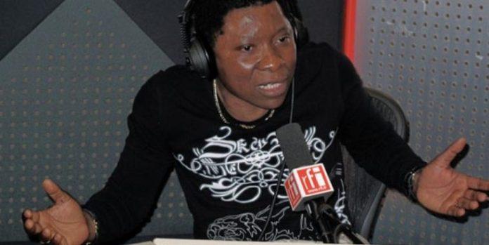 Remy Ngono : Le journaliste camerounais de RFI renvoyé de la France -  Senego.com