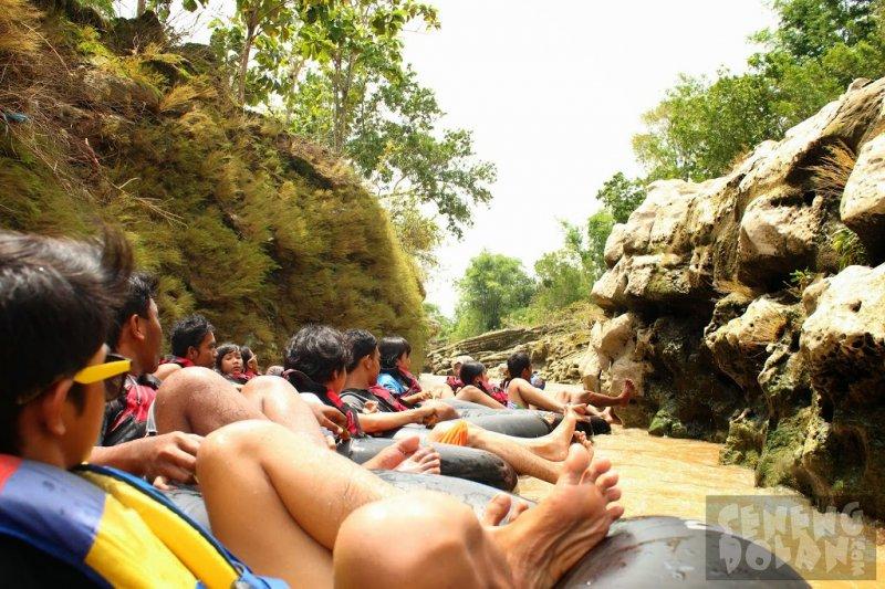 river tubing sungai oyo pindul yogyakarta