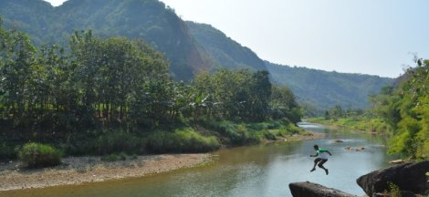 Sungai Oyo Selopamioro - Tempat Hits Jogja