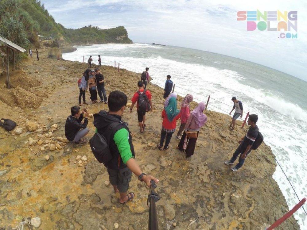 Banyu Tibo Pacitan Jawa Timur