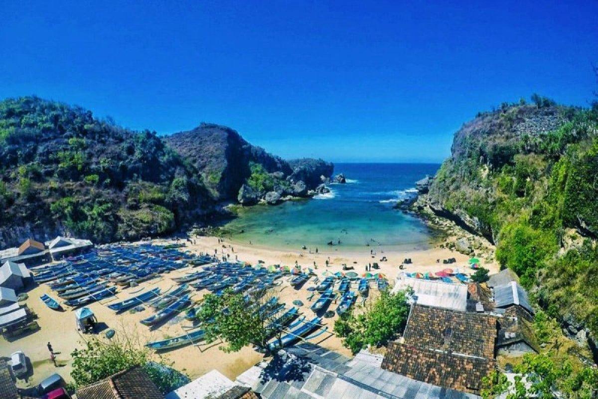 Pantai Ngrenehan Gunungkidul Yogyakarta