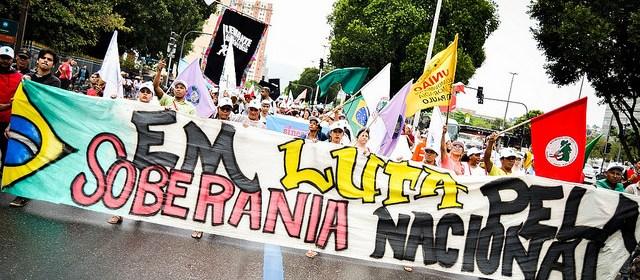 Em luta pela soberania nacional