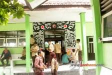 mural sekolah