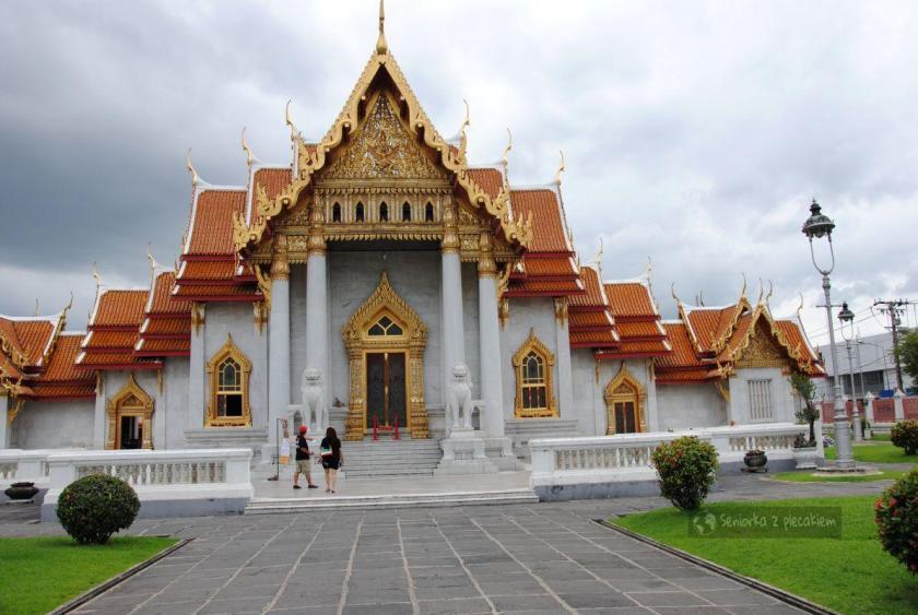 Wat Benchamabophit czyli Marmurowa Świątynia w Bangkoku